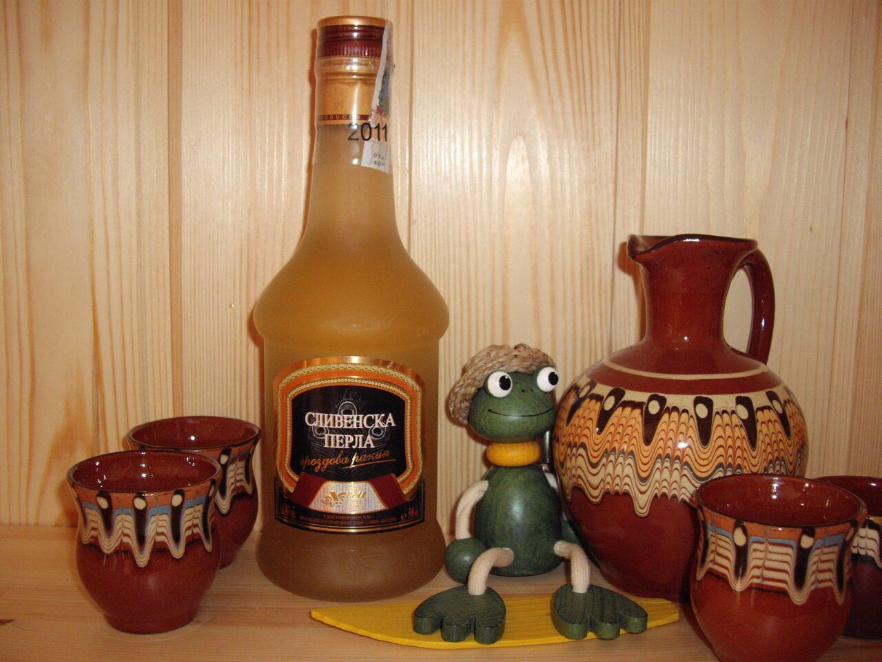 Кедровка настойка самогона (водки, спирта) на кедровых 84